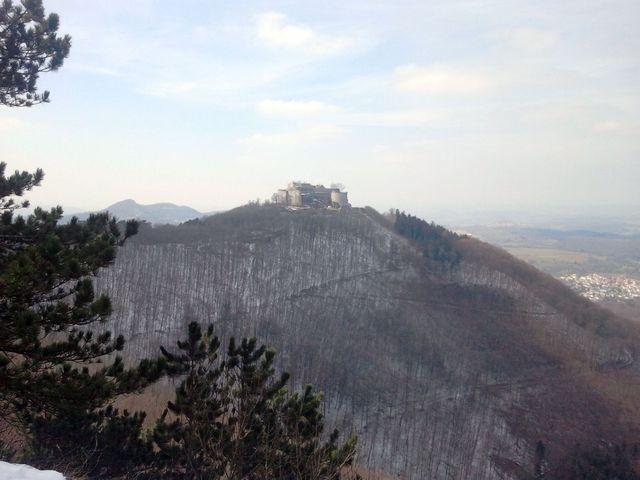 Blick vom Wilhelmsfelsen auf die Hohenneuffen