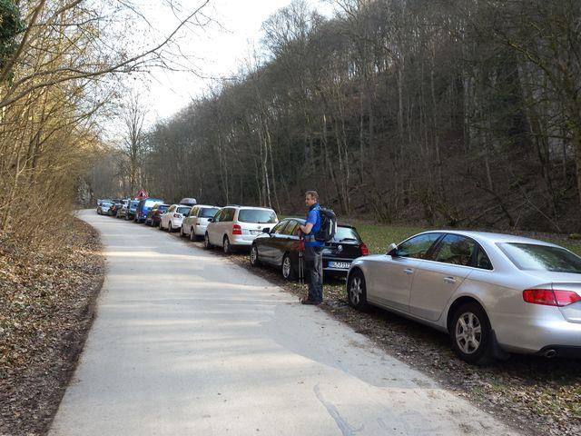 Viele parkende Fahrzeuge